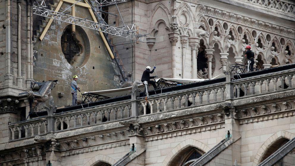 El nuevo peligro de Notre Dame ya no es el fuego: ahora es la lluvia