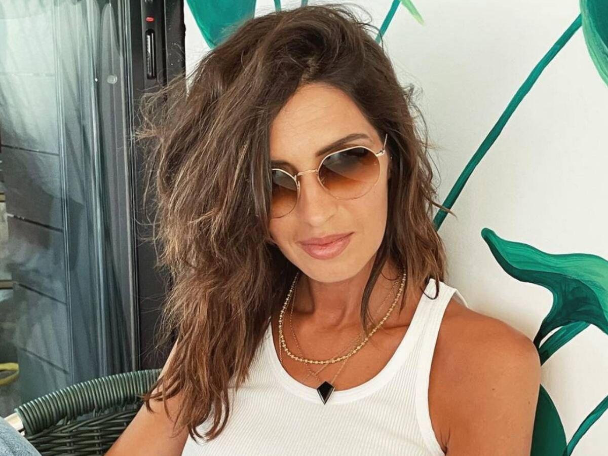 Foto: Sara Carbonero, un verano con el pelo rizado y mucho estilo. (Instagram @saracarbonero)