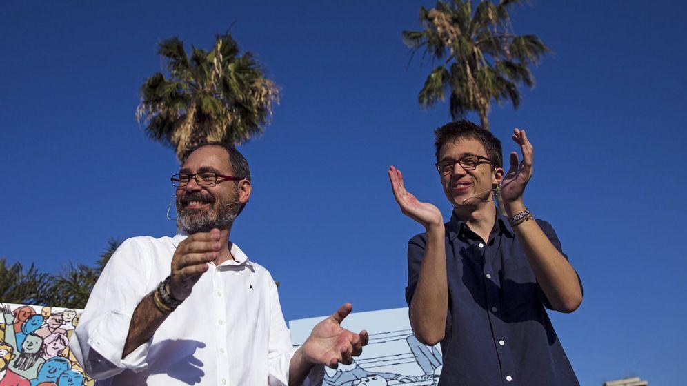 Foto: El secretario de Política de Podemos, Inigo Errejón (d), junto al diputado malagueño Alberto Montero en una imagen de archivo durante un acto en Málaga. (EFE)