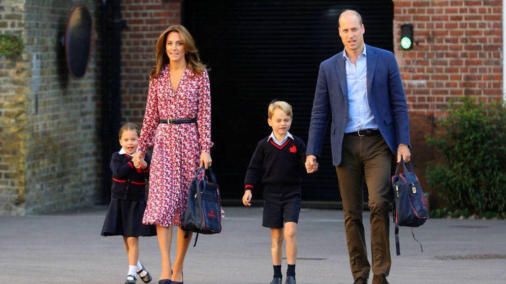 Foto: Los Cambridge y sus hijos, en el primer día de clase de los pequeños. (Reuters)