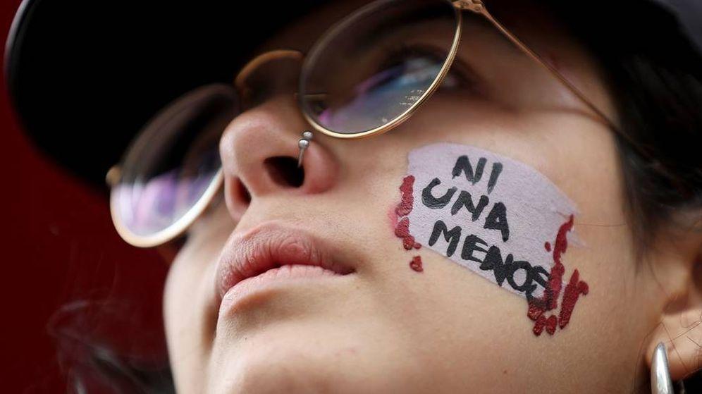 Foto: Manifestante en una marcha contra la violencia de género. (EFE)
