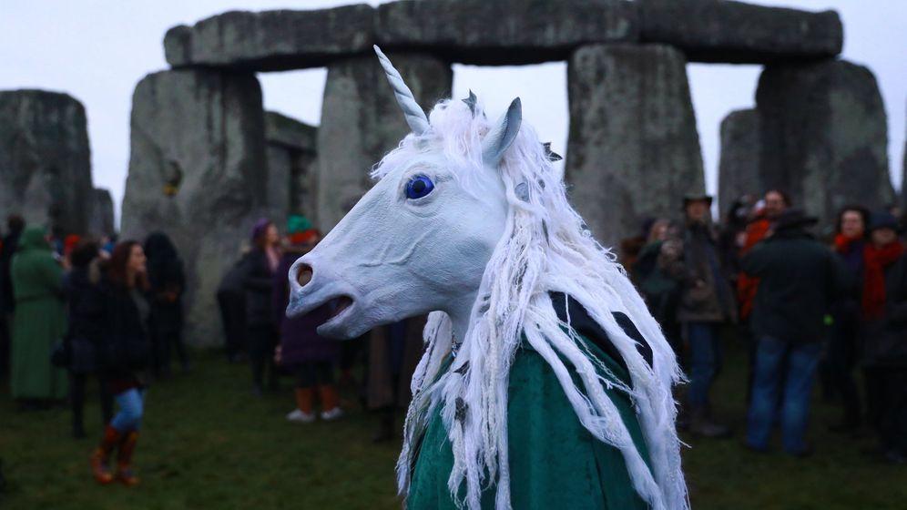 Foto: Celebraciones del solsticio de invierno en Stonehenge. (EFE)