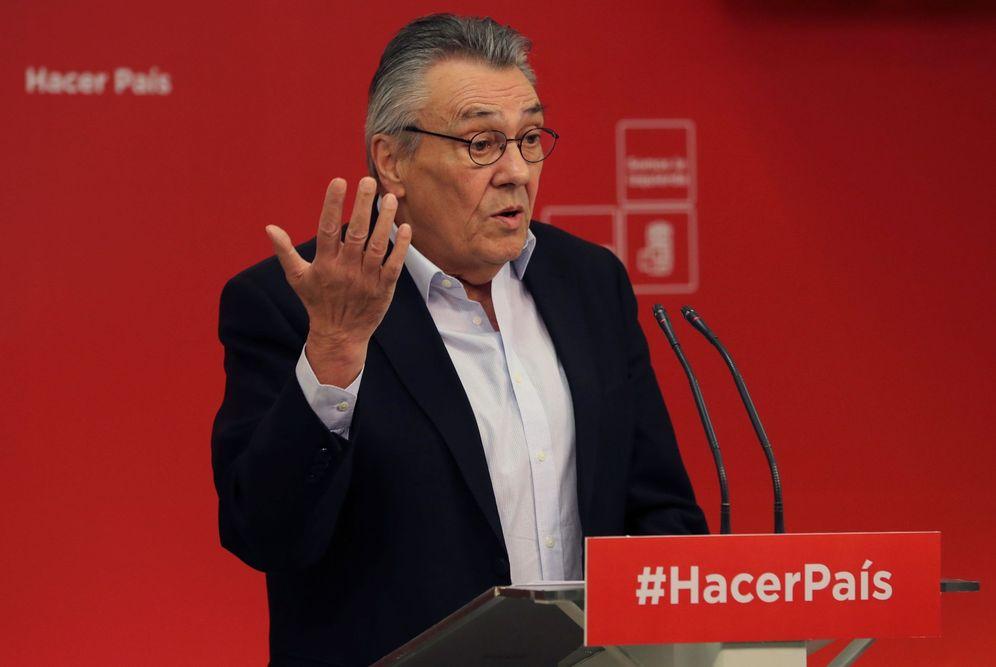Foto: Manu Escudero, secretario de Economía del PSOE, este 27 de marzo en rueda de prensa en Ferraz. (EFE)