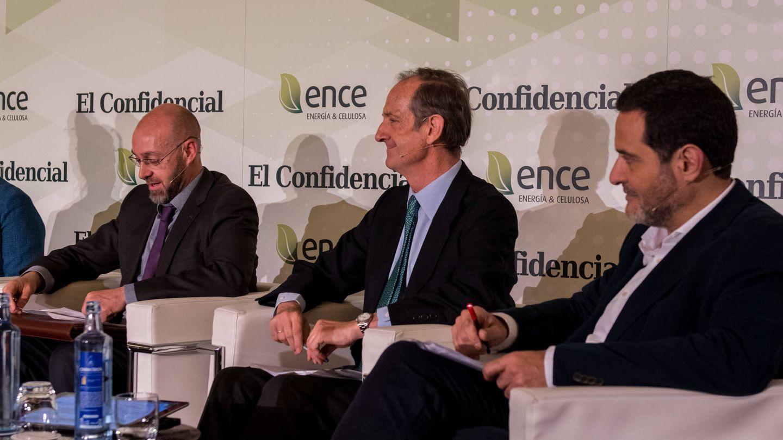 Jorge Sanz (Comisión de Expertos para la Transición Energética), Ignacio Colmenar (ENCE) y Josep Vendrell (Podemos-En Comú)