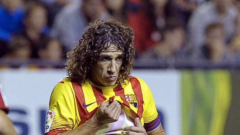 Martino sigue esperando a su central Carles Puyol... cinco meses después