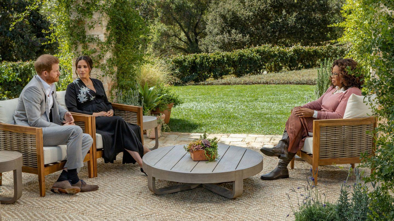Los Sussex, durante la entrevista con Oprah. (Reuters)