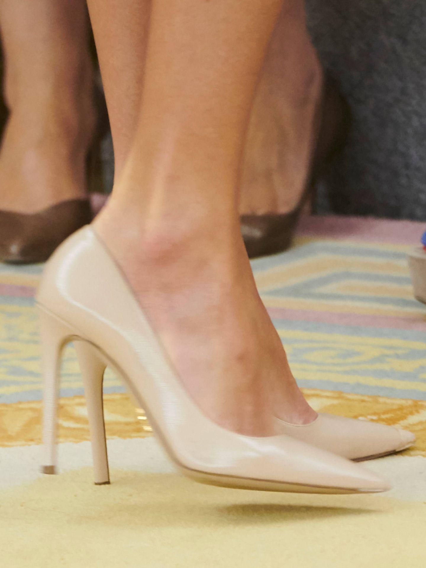 Los zapatos de Prada de la Reina. (Limited Pictures)