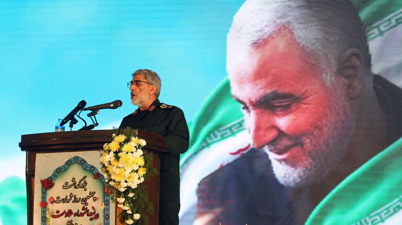El general mayor de los Cuerpos de la Guardia Revolucionaria Islámica, Ismail Ghaani, durante el homenaje a Soleimani, asesinado por Estados Unidos. (Reuters)