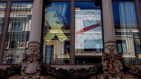 Retiran el lazo blanco de la fachada de la sede de consellería de Economía