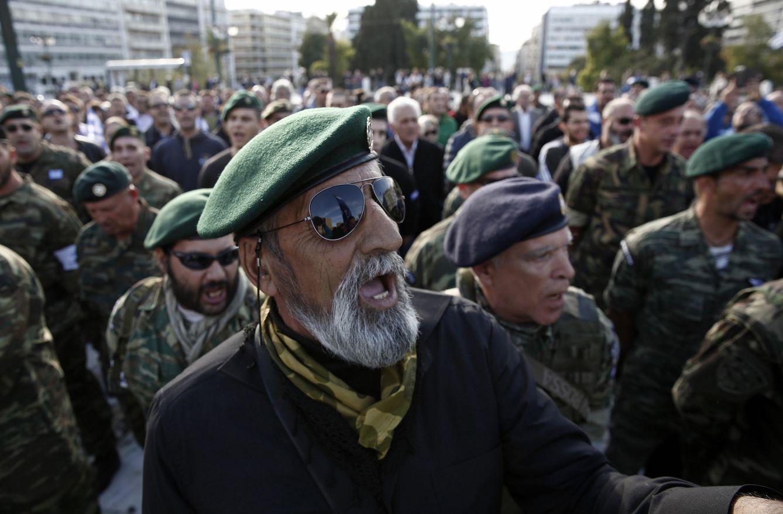 Foto: Reservistas del Ejército griego durante una manifestación en Atenas, en octubre de 2013 (Reuters)