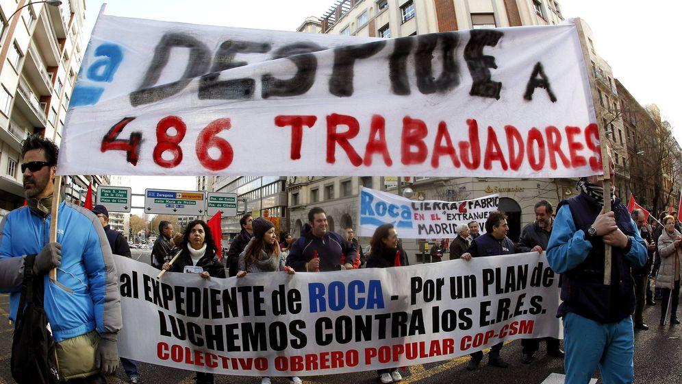 Foto: Trabajadores de Roca contra el ERE de 2013. (EFE)