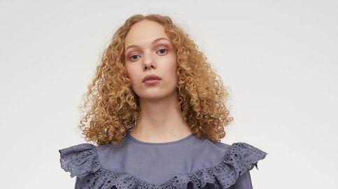 Las 3 blusas modernas de H&M que compras hoy y luces por décadas