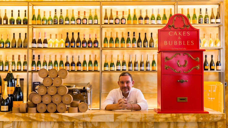Foto: Albert Adrià en su nuevo local Cakes & Bubbles.