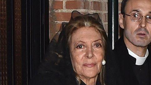 El dolor de Pitita Ridruejo en el funeral de su marido