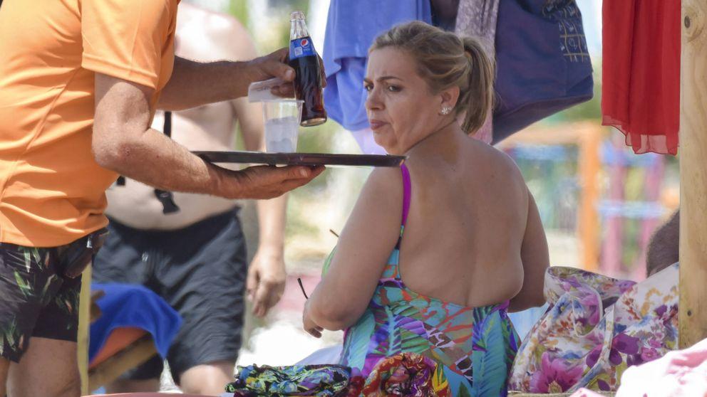 Carmen Borrego consigue que retoquen con Photoshop sus fotos en bañador