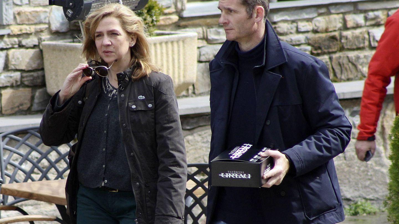 La infanta Cristina e Iñaki Urdangarin, paseando por Barcelona. (Getty)