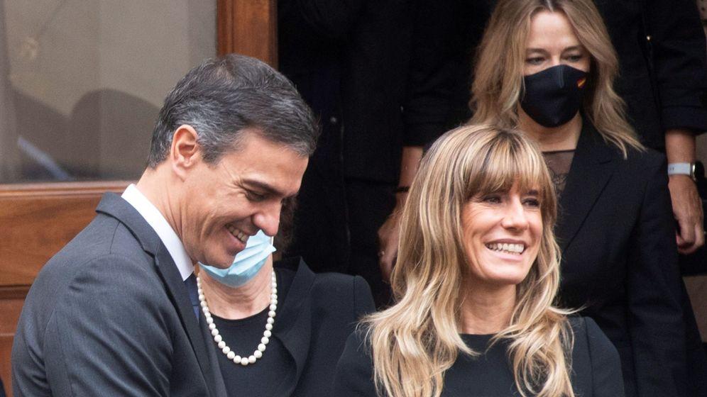 Foto: Begoña y Pedro, en el Vaticano. (EFE)