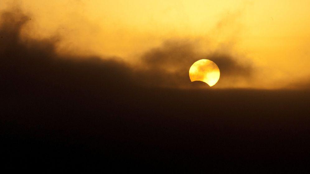 Foto: Vista del Sol durante un eclipse solar. (EFE)