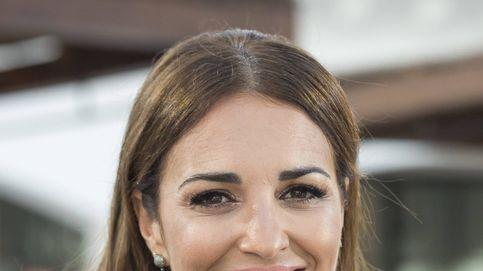 Si hay un mini vestido blanco por excelencia este verano es el que lleva Paula Echevarría