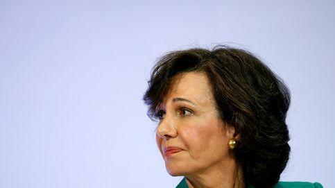 Nuevo frente 'revolving': un juez admite el primer gran caso contra Santander