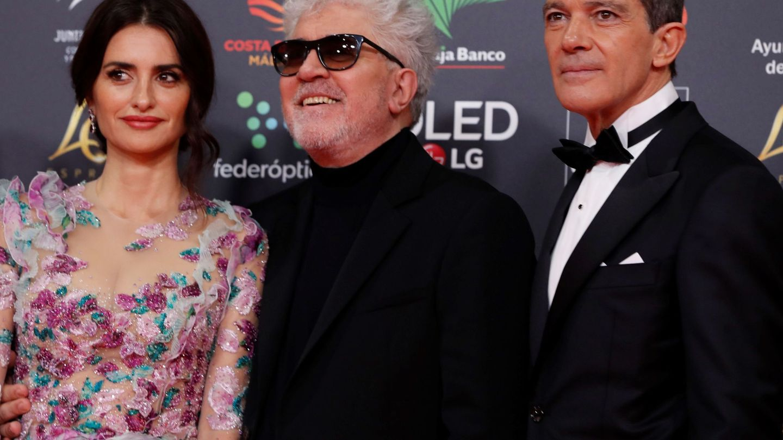 Penélope Cruz, Antonio Banderas y Pedro Almodóvar. (EFE)