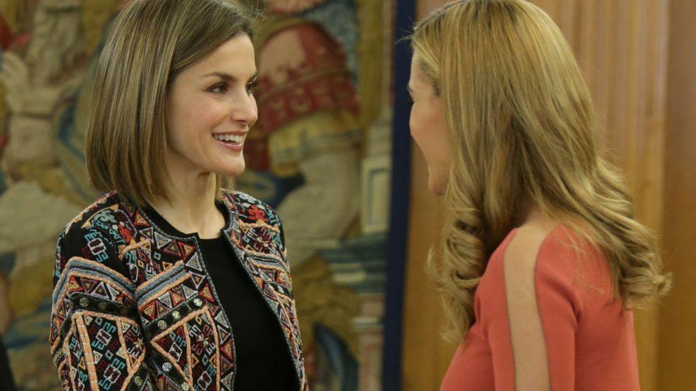 Los cinco errores insalvables del 'look' de Edurne ante la Reina Letizia