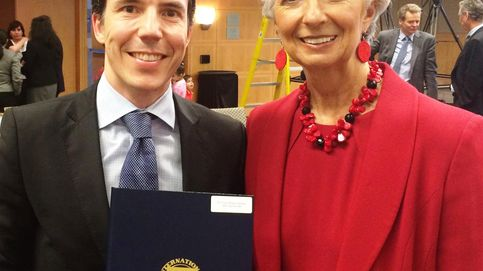 El FMI premia a Mulas, que fue marido de 'Amy Martin' e ideólogo del PSOE