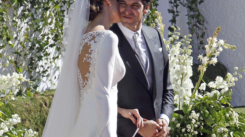 Foto: Eva González y Cayetano Rivera el día de su boda (Gtres)