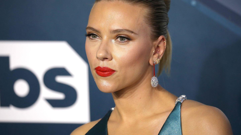 Scarlett Johansson y su mentón ovalado, otro de los más copiados. (EFE)