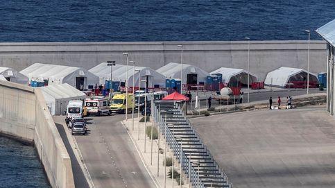 Hallan los cuerpos de 2 migrantes, rescatan a tres y buscan a otros 9 en la costa murciana