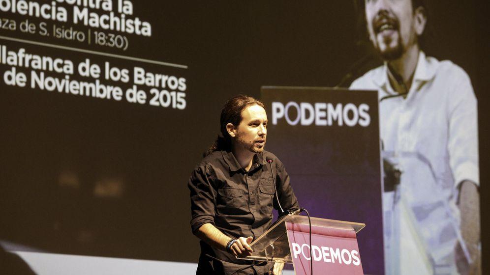 Foto: El candidato a la Presidencia del Gobierno de Podemos, Pablo Iglesias, durante su intervención en un acto ayer en Villafranca de los Barros, Badajoz. (EFE)