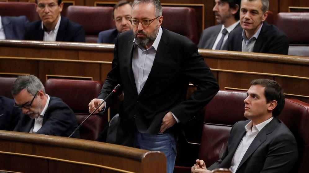 Foto: El portavoz de Ciudadanos, Juan Carlos Girauta, durante la sesión de control al Gobierno. (EFE)