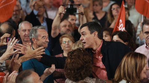 Pedro Sánchez entre las masas