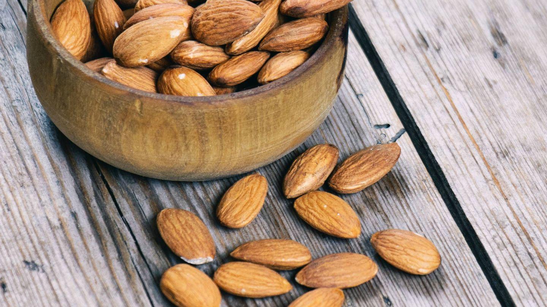 Los frutos secos pueden ser un snack saludable. (Tetiana Bykovets para Unsplash)