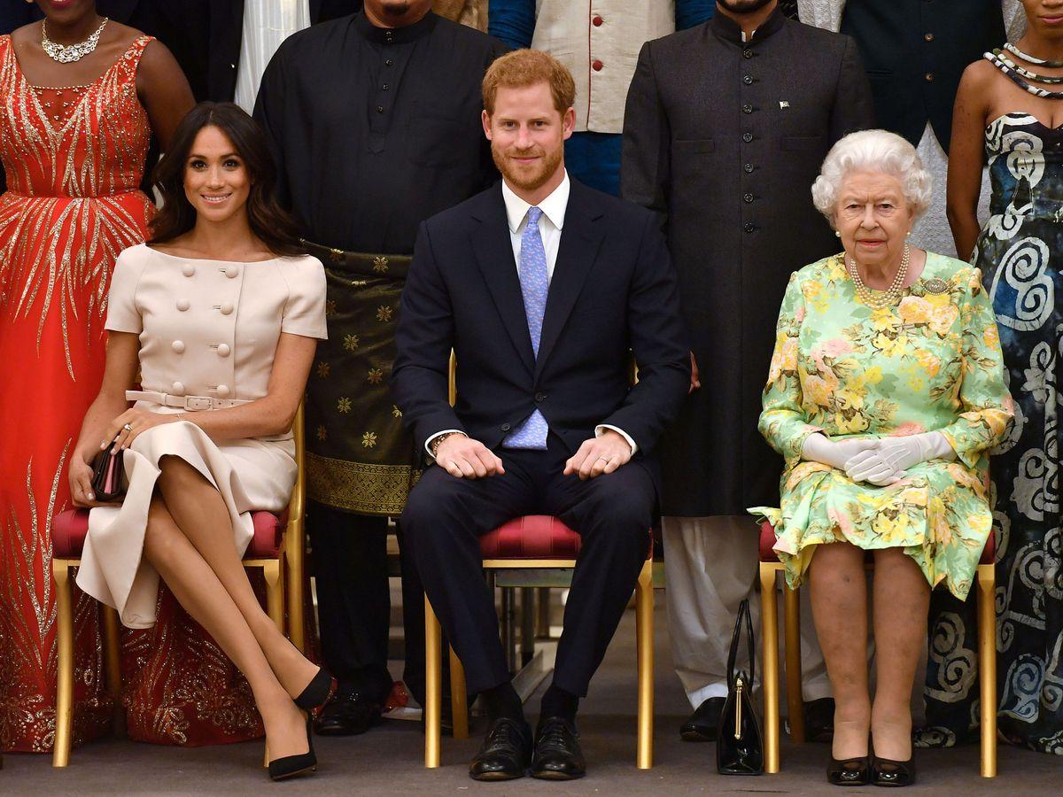 Foto: La reina Isabel junto a los duques de Sussex, en una imagen de archivo. (Reuters)