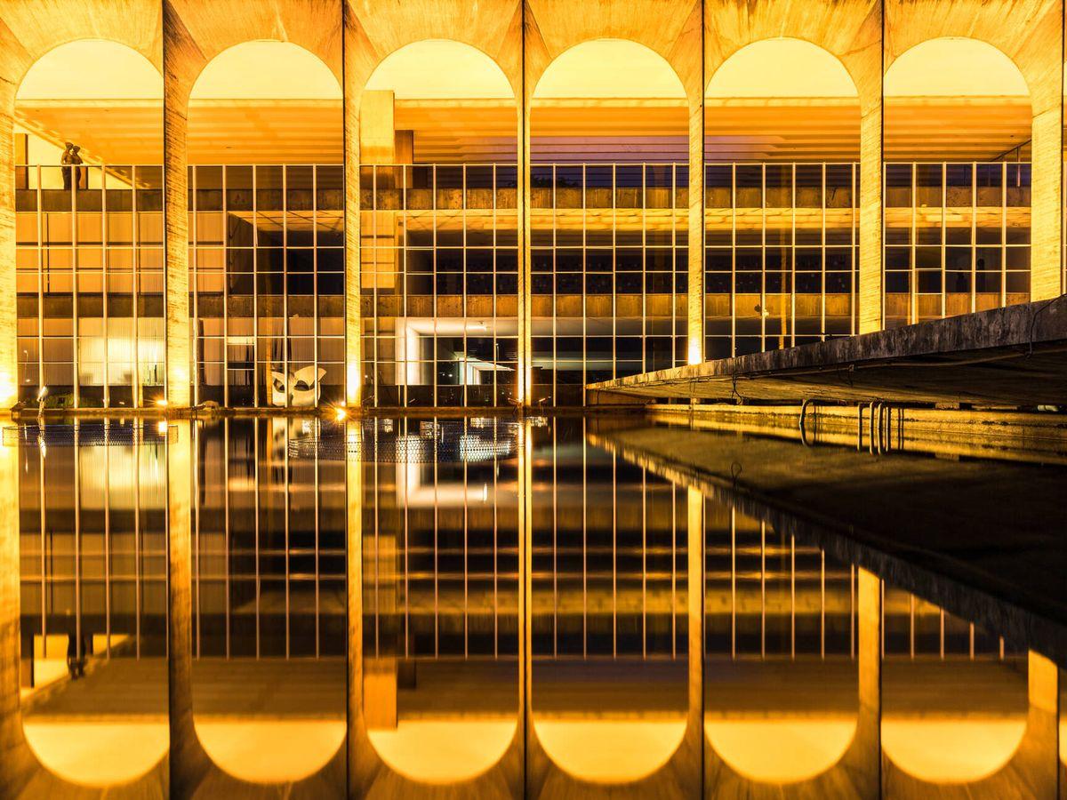 Foto: El Palacio Itamaraty de Brasilia, diseñado por Oscar Niemeyer (Fuente: iStock)