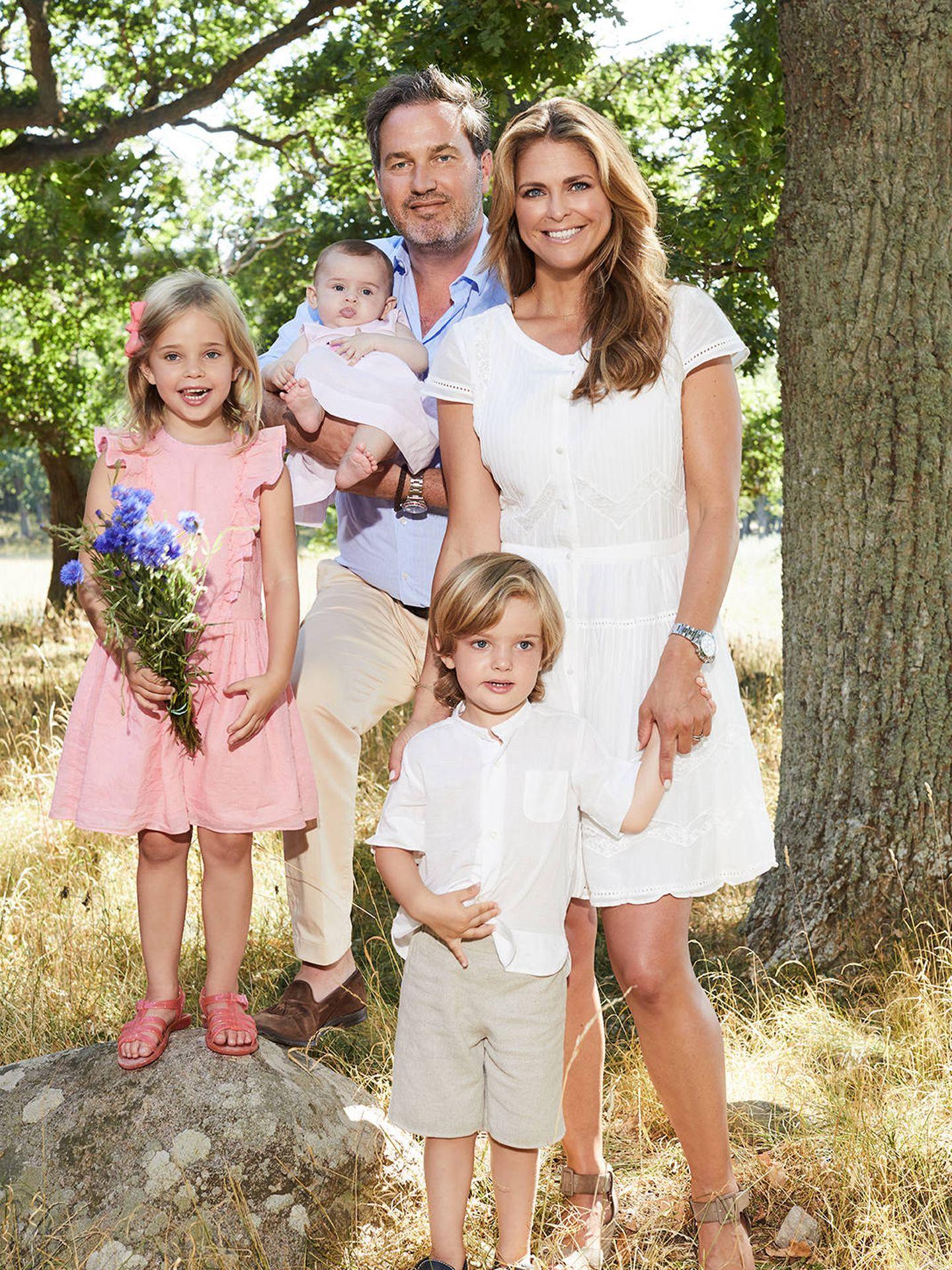 Magdalena y Chis con sus tres hijos. (Kungahuset)