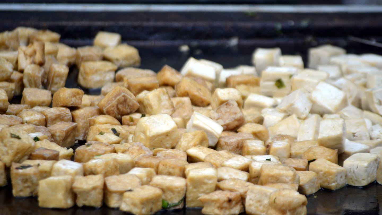 El tofu está elaborado con soja.