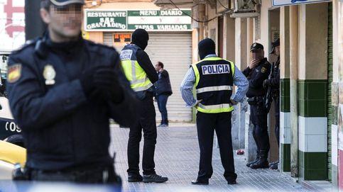 Los policías, 'vendidos' ante el crimen 'online': Somos pocos y nos ningunean