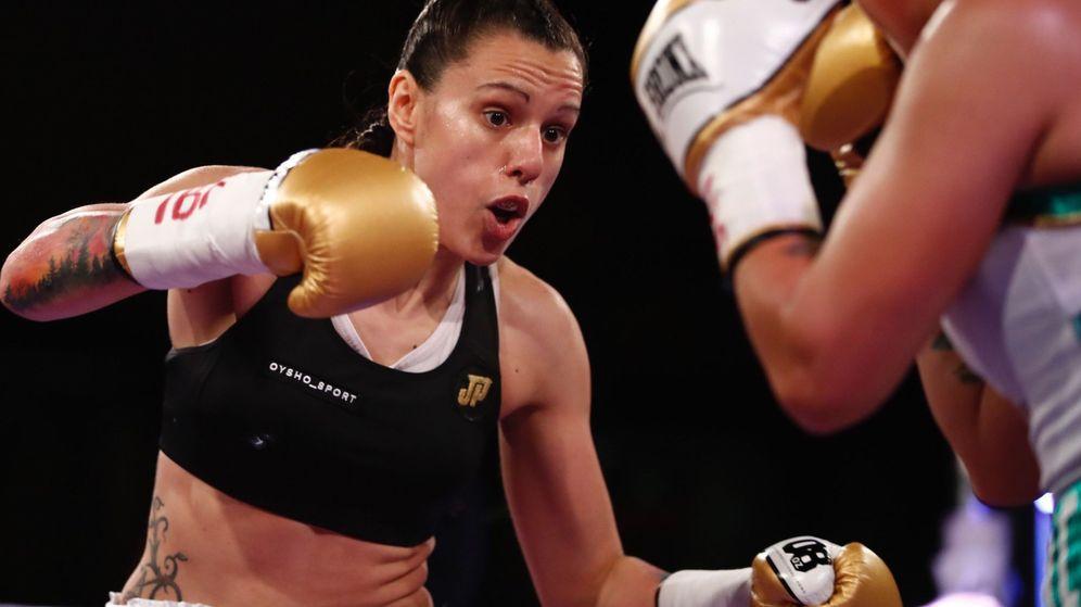 Foto: Joana Pastrana, durante un enfrentamiento por el Mundial de Peso Mínimo. (EFE)
