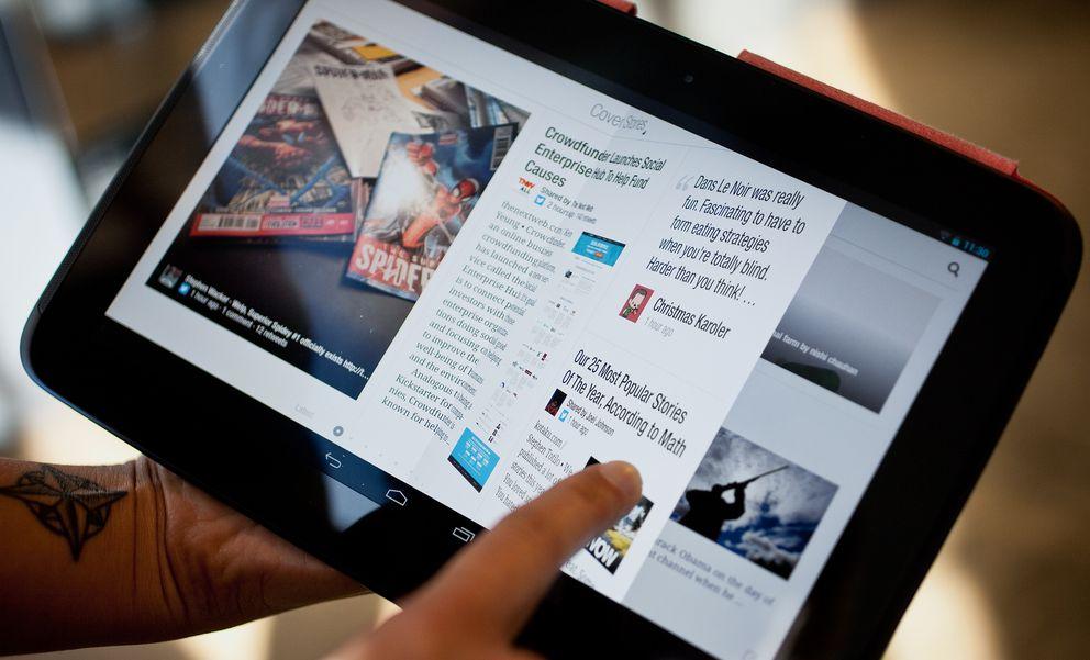 Foto: Un usuario lee la prensa en la aplicación Flipboard (Wired)