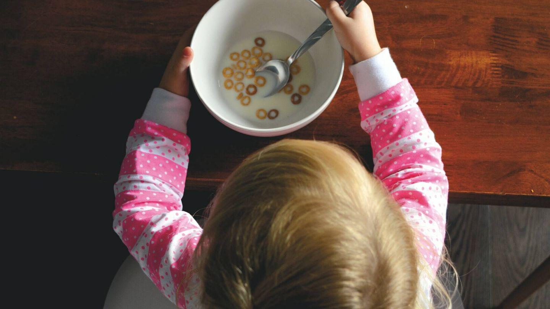 Los niños están creciendo y desarrollándose, por lo que las dietas están contraindicadas (Unsplash)