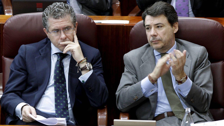 Francisco Granados e Ignacio González, en 2010, cuando formaban parte del Gobierno de Aguirre. (EFE)