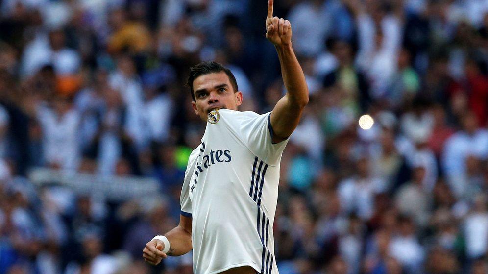Foto: Pepe se ha acordado del Real Madrid en su primera entrevista como jugador del Oporto (Reuters/Juan Medina)