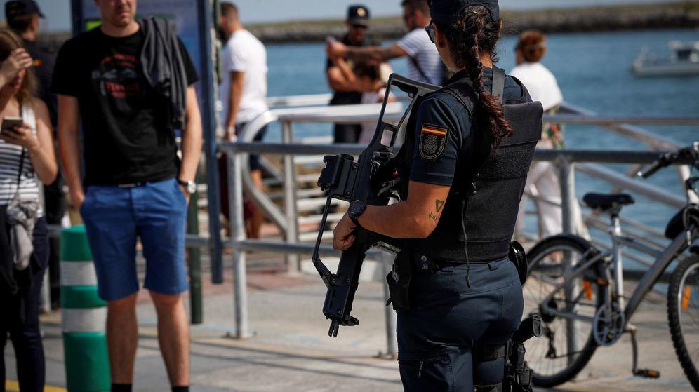 Foto: Una agente de la Policía Nacional. (EFE)