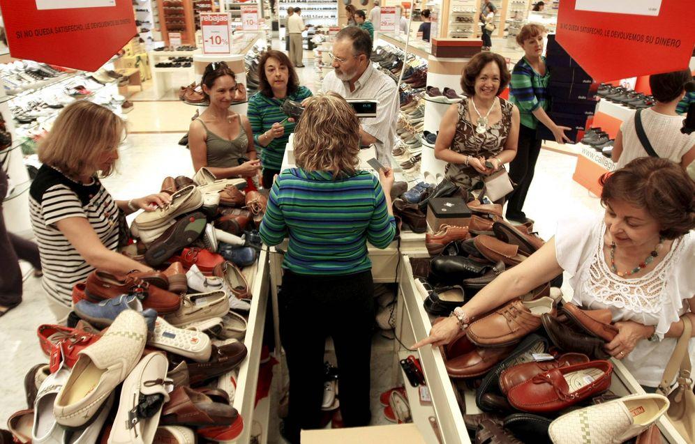 Foto: Los empresarios defienden que todos los comercios españoles puedan abrir los domingos, pero... ¿a qué precio? (EFE)