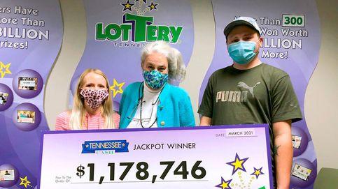 Gana la lotería, pierde el boleto y lo encuentra tirado en un parking