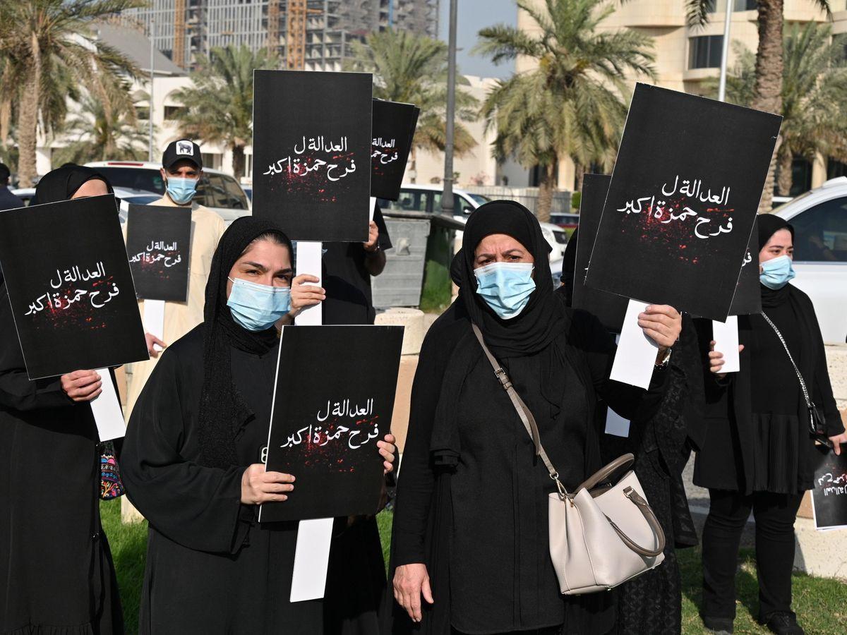 Foto: Protesta en Kuwait pidiendo que se proteja más a las mujeres en caso de acoso.
