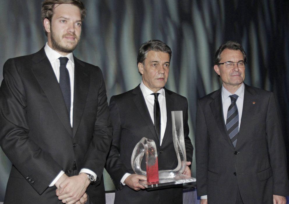 Foto: El presidente del Grupo Zeta, Antonio Asensio (izqda.), en un acto junto a Artur Mas. (EFE)