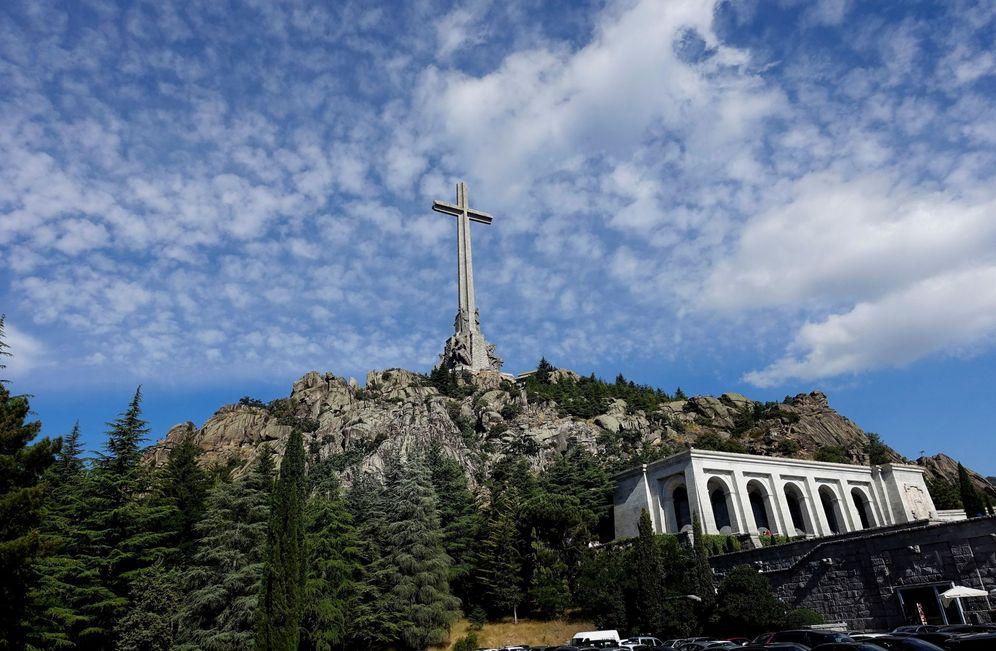 Foto: Vista general de la basílica de la Santa Cruz del Valle de los Caídos, donde reposan los restos de Franco y de José Antonio, el pasado 15 de julio. (EFE)